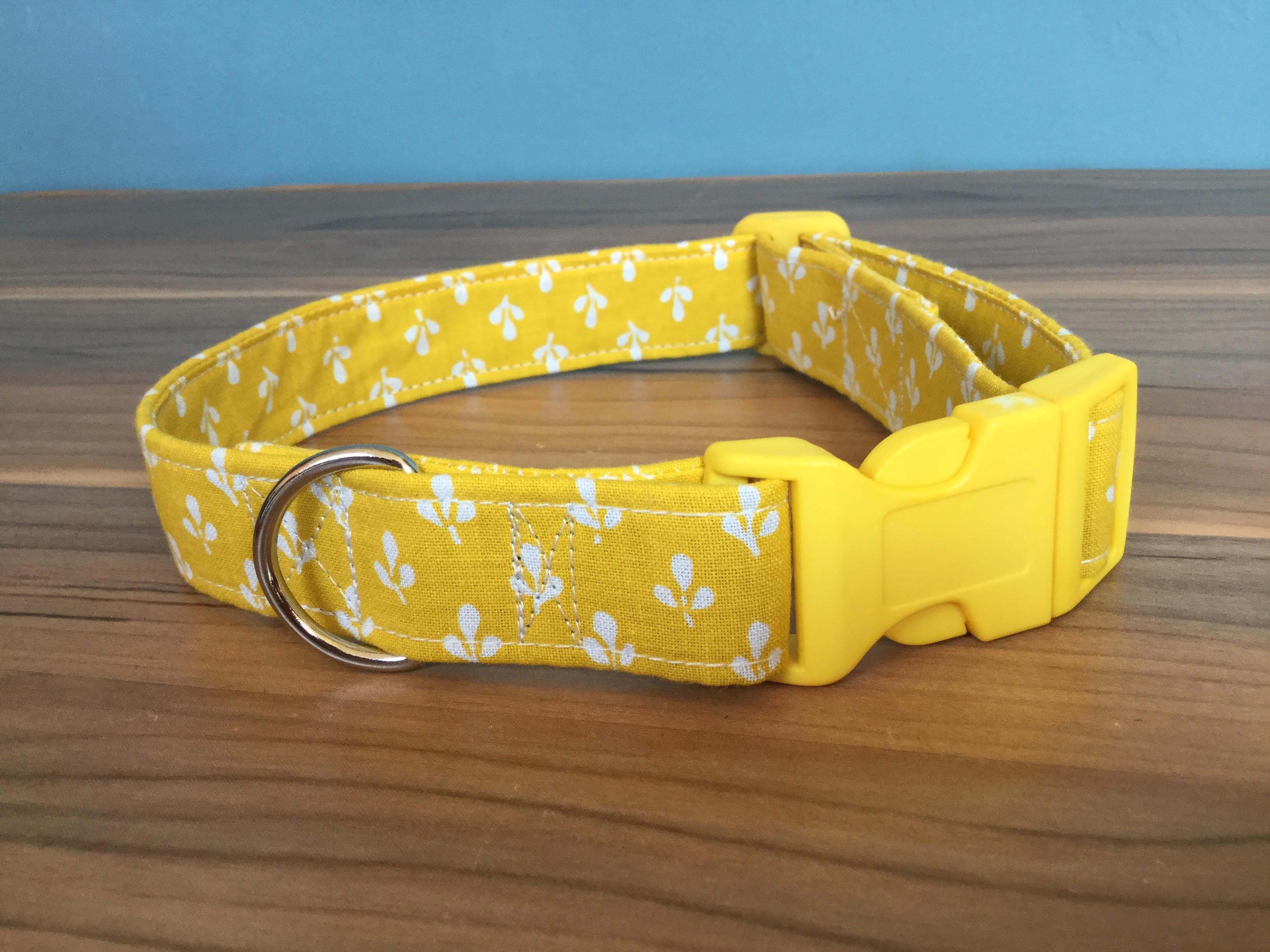 Claude fabric dog collar